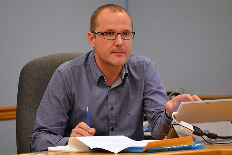 photo shows Southwest Horizon School Division secretary treasurer Kevin Zabowski (photo Glen Kirby)